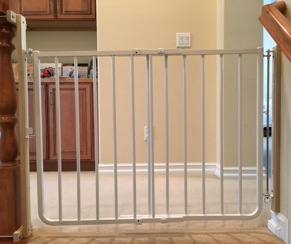 Bottom Of Stairs Baby Gate With NO HOLES BANISTER CLAMP System To Eliminate  Holes In Stair Banister.