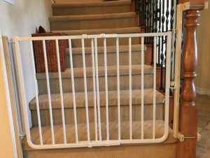 Baby safety gate for bottom of stairs