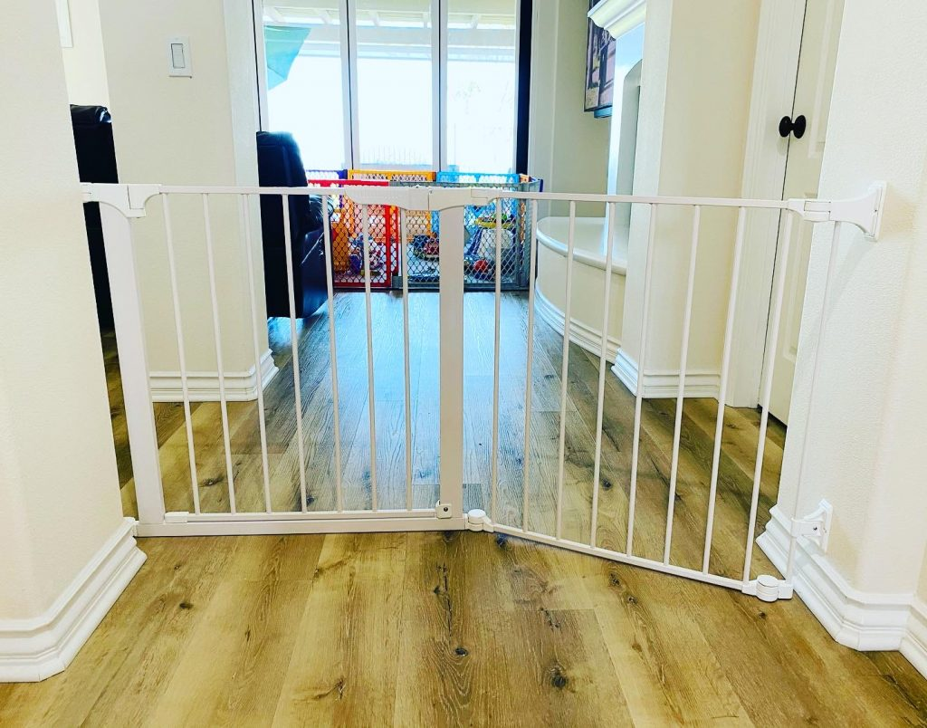 Large baby gate Carlsbad